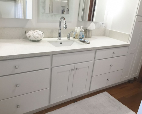 Light quartz countertop vanity 3