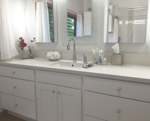 Light quartz countertop vanity 2